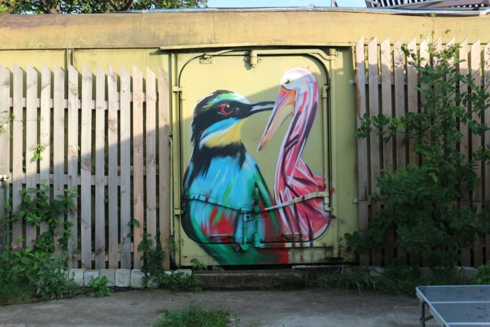 Spraypainted graffiti birds