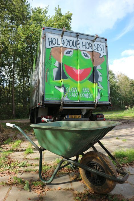 Kermit graffiti done on a horse truc/camper